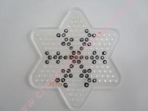 Anniversaire Reine des Neiges: modèle flocon perles Hama