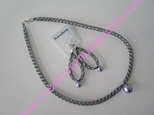 parure résille et perles violet