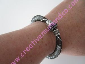 bracelet tube résille poignet