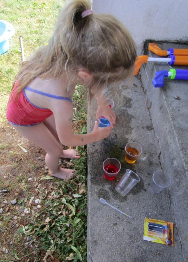 idées pour rafraichir les enfants: le jeu des couleurs