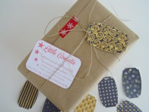 Gold Christmas Tag by Little cousette