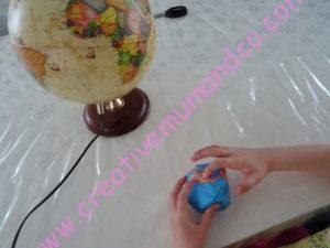 globe terrestre en papier activité Montessori